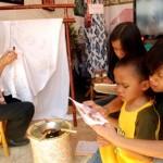 Belajar Membatik Di Museum Tekstil