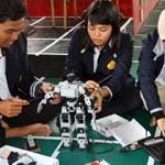 Teknokrat Rancang Robot Penari Piring