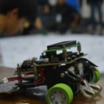 98 Tim Robot Line Folower Bertanding di UGM
