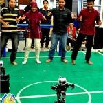Robot Eros Menari Gangnam Style