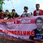 Mengenang 1 Tahun Perjuangan Sondang, Mahasiswa UBK Demo di Depan Istana