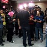 28 01 2013 Mantan suami Wanda Hamidah di wancarai wartawan