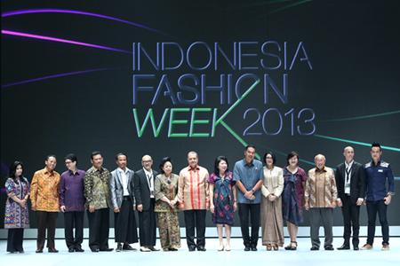15022013 Fashion week opening