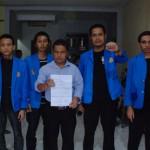 20 02 2013 Lima Pejuang Unpam bersama pengacara 01
