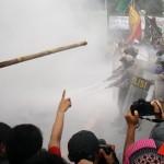 Video Mahasiswa Jakarta Demo BBM Bentrok di DPR RI