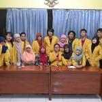 KKN, Mahasiswa Unsoed Kembangkan Tempe Untuk Warga Desa