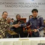 Tanoto Foundation dan Kemdikbud Serahkan Beasiswa Mahasiswa Berprestasi