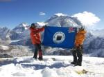 11 10 2013 Bendera Unisba Dikibarkan di Gunung Lobuche