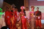 Finalis Mrs dan Ms LSPR menggunakan pakaian nasional 10 negara Asean. Foto : LSPR