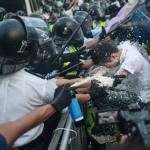 Cara Polisi Tangani Aktivis Pro Demokrasi Hongkong