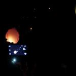 Komunitas Earth Hour Pontianak Terbangkan Lampion