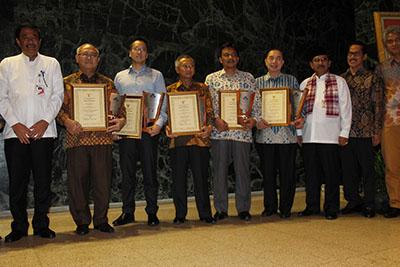 Binus Menjadi Satu-satunya Universitas Peraih Padmamitra Award 2015