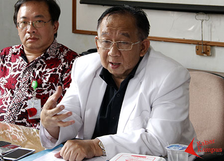 dr. Teddy Hidayat, Dokter Konsultan Kesehatan Jiwa Rumah Sakit Dokter Hasan Sadikin (RSHS). FOTO : AHMAD FAUZAN