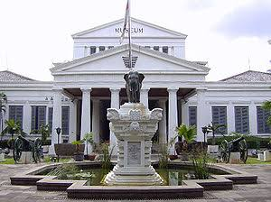 Antara Gunung Bandung, Naturalis dan Museum Nasional Indonesia